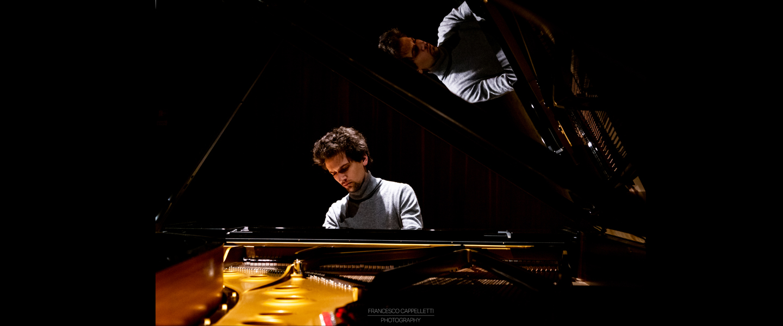 Pianista DIEGO PETRELLA @ Sala Verdi del Conservatorio di Milano